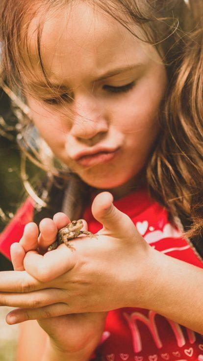 Trixi-Ferienpark-Familie-Wandern-Kinderaugen